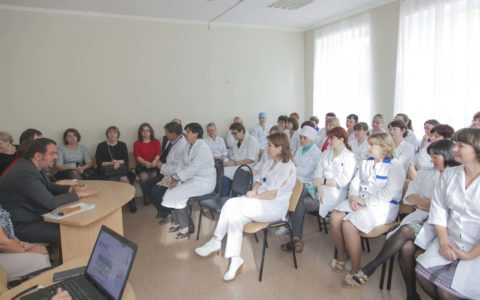 Сегодня в ГАУЗ «РКИБ» состоялось встреча администрации учреждения с коллективом Лабораторного диагностического центра