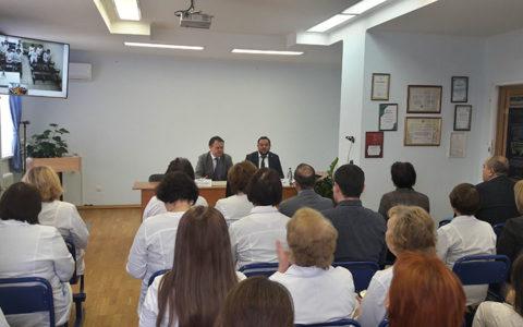 В Республиканской клинической инфекционной больнице имени профессора А.Ф. Агафонова прошло заседание медицинского совета