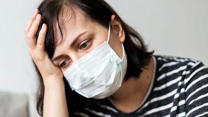 Ученые рассказали о состоянии здоровья людей через два месяца после лечения COVID-19 в больнице